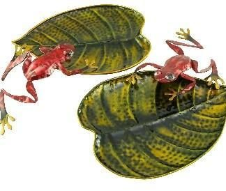 Metal Red Frogs on Leaves Living D�cor